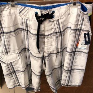 NWT Large Board Shorts velcro fly. Net lining